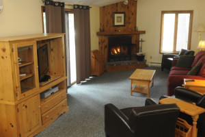 Guest living room at Sherwood Inn.