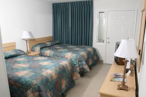 Guest room at Luna-Mar Motel.