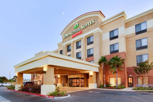 Exterior view of SpringHill Suites Fresno.