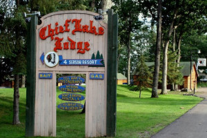 Welcome to Chief Lake Lodge