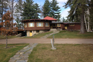 Cabin exterior at Nelson's Resort.