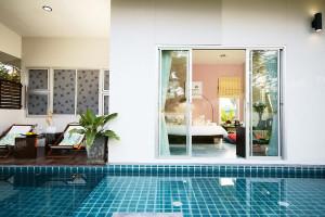 Honeymoon suite at Foresta Resort.