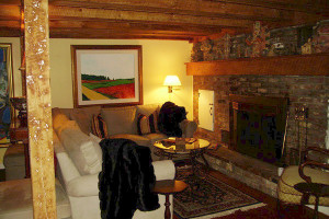 Lobby view at Nutmeg Country Inn.