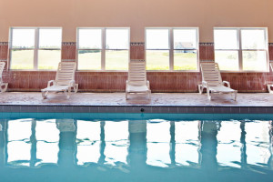 Pool at Rodd Crowbush Golf & Beach Resort.