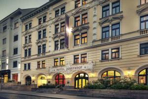 Exterior view of Hotel Josefshof.