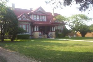 Exterior view of Holekamp House B & B.