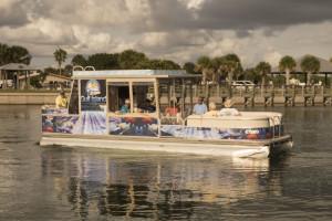 Boating at Englewood Beach & Yacht Club.