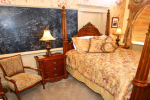 E.W. Palmer room at Carr Manor Historic Inn.