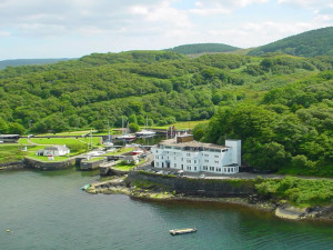 Exterior view of Crinan Hotel.