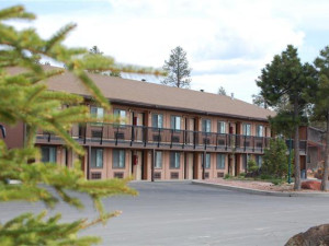 Exterior view at Bryce View Lodge.