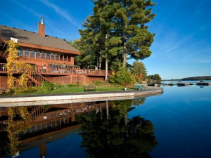 Welcome to Westwind Inn on the Lake.
