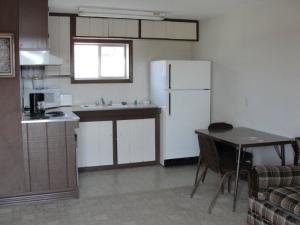 Guest kitchen at Elk City Hotel.