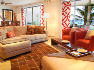Guest living room at Aquazul.