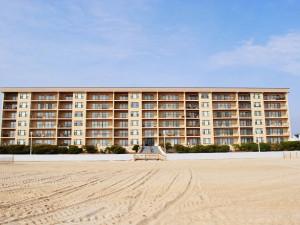 Rental exterior at Shoreline Properties.