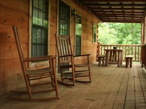 Cabin porch at Big Bear Log Cabins.
