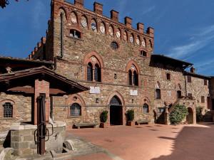 Exterior view of Castelletto di Montebenichi.