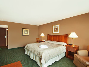 Guest room at South Shore Harbour Resort & Spa.
