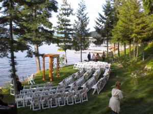 Outdoor wedding at The Lodge at Sandpoint.