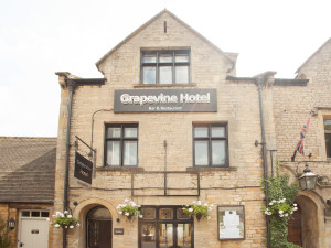 Exterior view of Grapevine Hotel.