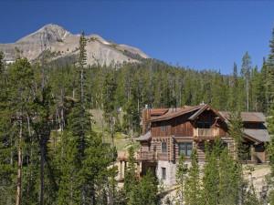 Exterior view of Big Sky Vacation Rentals.
