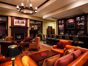Lounge area at Sheraton Duluth Hotel.
