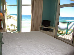Rental bedroom at Newman-Dailey Resort Properties, Inc.