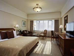 Guest room at Hotel Jen Shenyang.