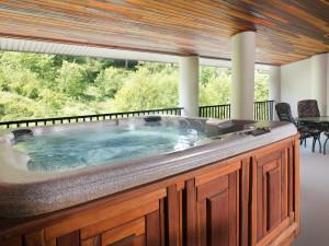 Guest hot tub at Bonneville Hot Springs Resort & Spa.