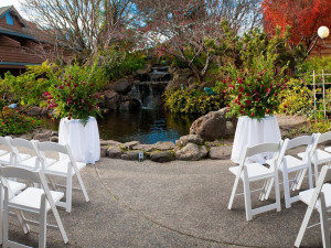Outdoor wedding at Best Western Seacliff Inn.