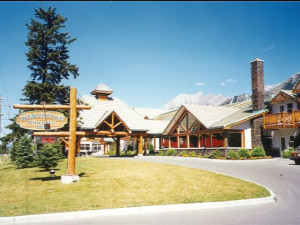 Exterior view of Westridge Country Inn.