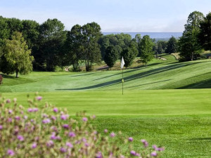 Elmbrook Golf Course near The Cherry Tree Inn & Suites.