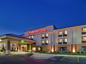 Exterior view of Hampton Inn Kansas City.