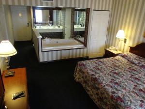 Jacuzzi suite at Bayshore Resort.