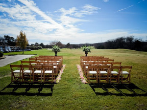 Outdoor wedding ceremony at Tanglewood Resort and Conference Center.