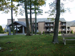 Exterior view of Cascades Lodge.