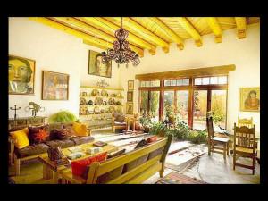 Interior view of Casa Benavides Bed & Breakfast.