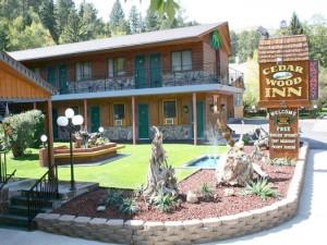 Exterior view of Cedar Wood Inn.