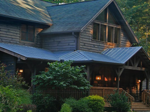 Welcome to Bent Creek Lodge