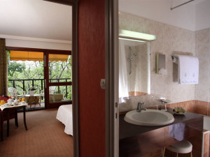 Guest room at Hôtel Villa Borghèse.