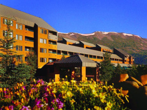 Exterior view of DoubleTree by Hilton Breckenridge.