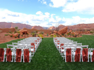 Outdoor wedding ceremony at The Inn at Entrada.