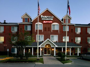 Welcome to the Fairfield Inn & Suites Houston The Woodlands