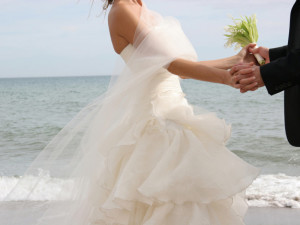 Wedding on the beach at Hampton Inn & Suites Jekyll Island.