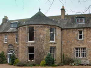 Exterior view of Inveresk House B&B.