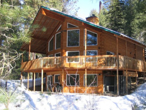 Cabin exterior at Idaho Cabin Keepers.