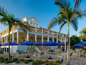 Outdoor dining at South Seas Island Resort.