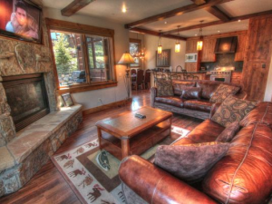 Vacation rental living room at SkyRun Vacation Rentals - Copper Mountain.