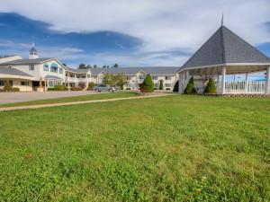 Exterior view of Ogunquit Resort Motel.