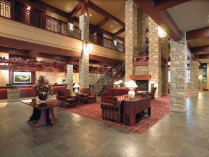 Lobby area at DoubleTree Fallsview.