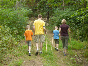 Family hiking at House Mountain Inn.